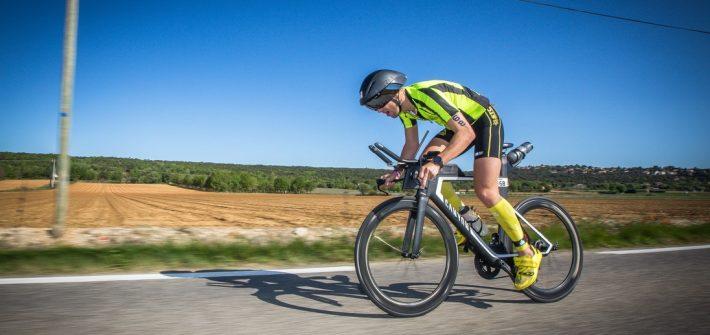 Steph sur le Canyon Speedmax SLX lors de l'Ironman 70.3 d'Aix 2019