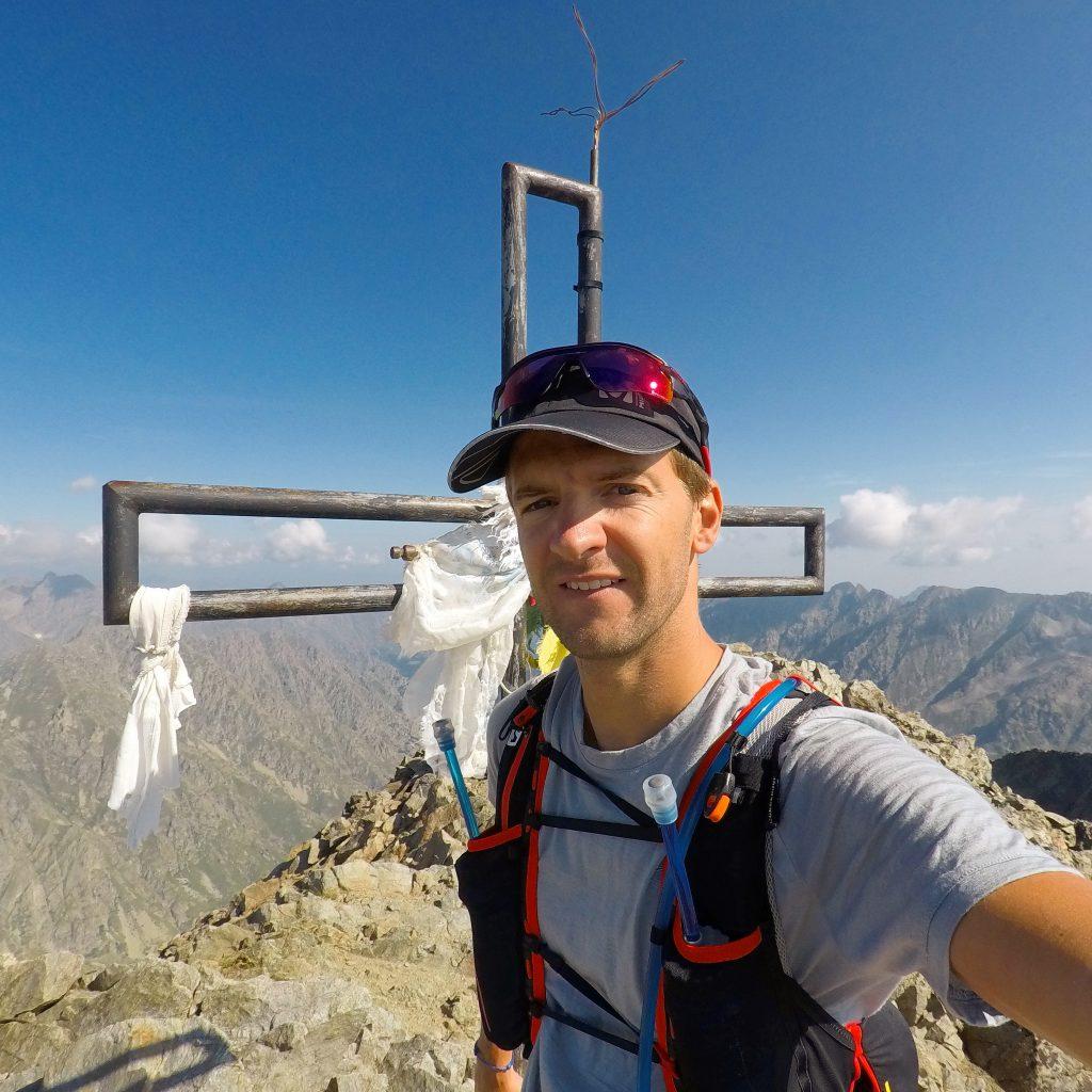 Steph au sommet du Mont Ténibre